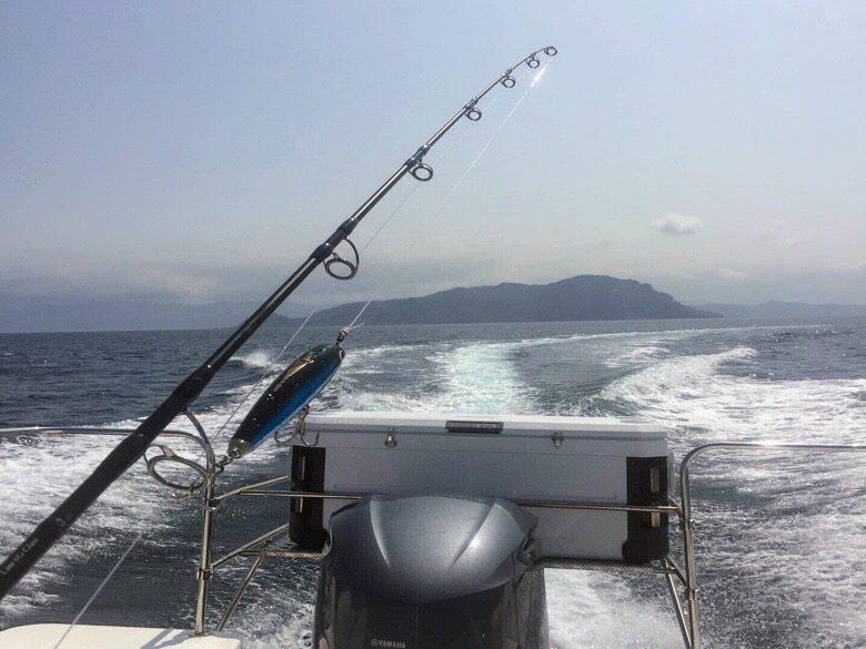 青森小泊でマグロ釣り