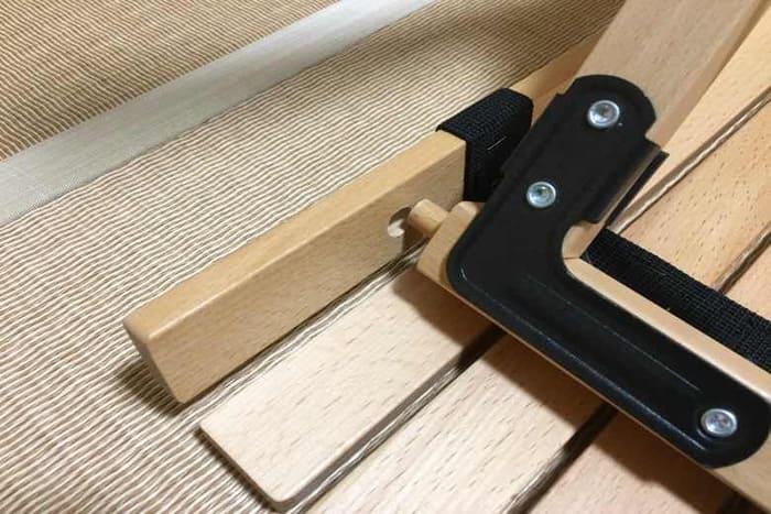 ハイランダーのウッドロールトップテーブルのダボを穴に入れる方法