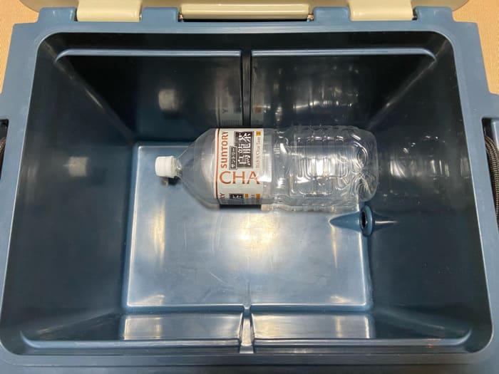 オレゴニアンキャンパーのヒャドクーラーのペットボトルの収納