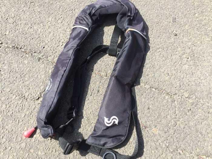 高梨救命器具 BLUESTORM 自動膨張式ライフジャケット